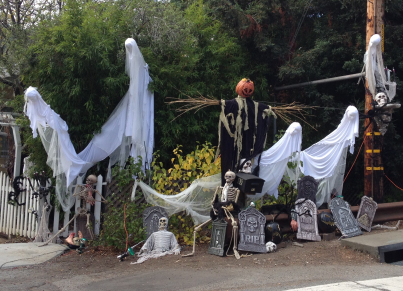 Just one of the many houses that have been decorated already; even though Halloween isn't for another 10 days.